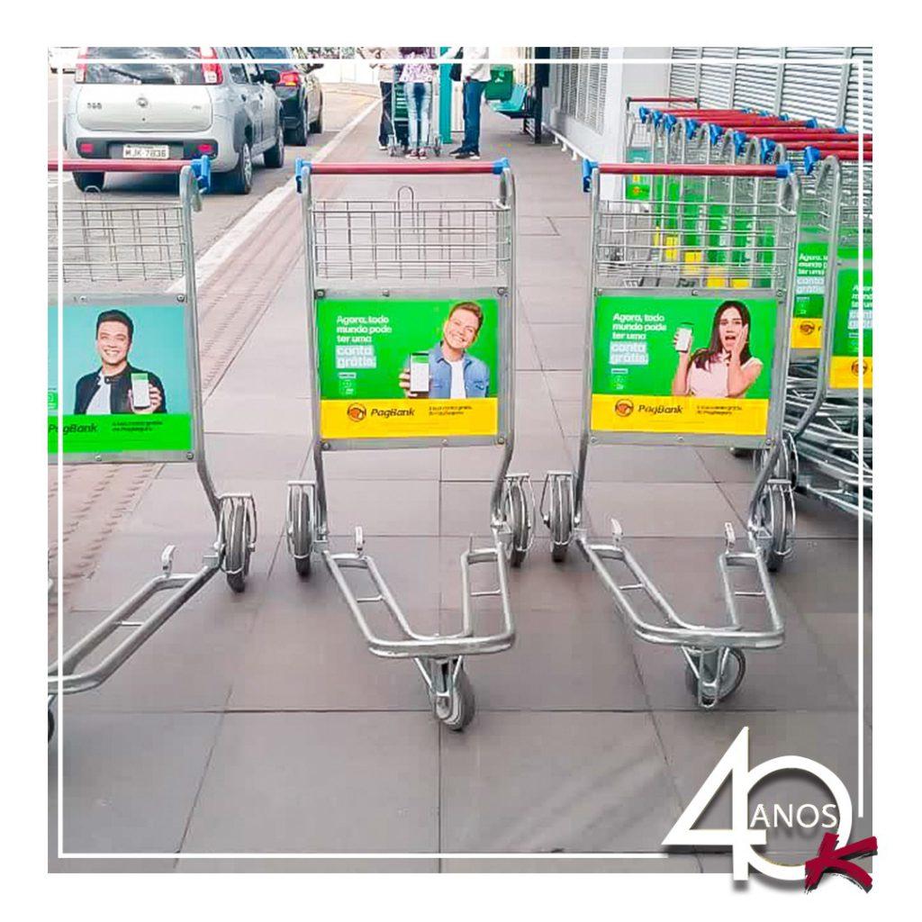 Carrinhos de bagagem personalizados